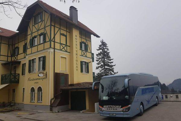 bled-slovenija-5CEBFD0A9-DF62-183D-4096-928170A3106D.jpg